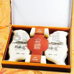 台灣好ME~頭等倉台灣恩情伴手禮盒~台灣地圖造型為設計,兩個一正一反合起來又成為蝴蝶,呼應到台灣蝴蝶王國的稱號