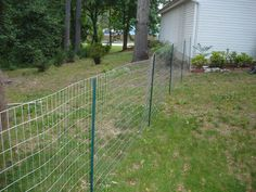 Make Temporary Fence for Dogs - http://artoespacio.com/make-temporary-fence-for-dogs/ : #DogFence Maketemporary fence for dogs.Locate a stake at each site you've planned to install fence posts. Tie a string between the stakes to indicate the boundaries of the fence.Dig a trench around the perimeter of the barnyard dog, at least 12 inches (30, 48 cm) deep. Dogs may dig deep below the ...