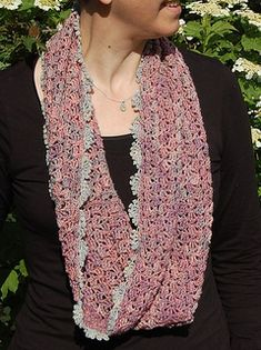 Echarpe clochette - Free crochet pattern in English and Spanish by Mam'zelle Flo, Universal with pictures and charts.