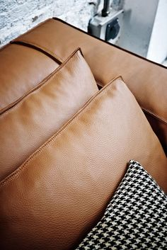 Sectional leather sofa CARESSE Frighetto Line by ESTEL GROUP   design Alessandro Dalla Pozza