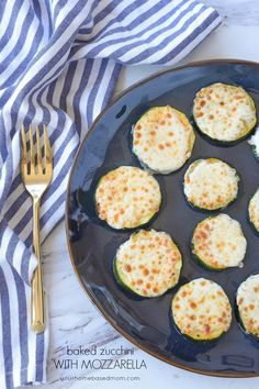 Baked Zucchini with Mozzarella is the perfect solution to too much zucchini.Topped with mozzarella you won't be able to stop the kids from eating their veggies! Healthy Diet Recipes, Veggie Recipes, Appetizer Recipes, Dinner Recipes, Cooking Recipes, Appetizers, Keto Recipes, Keto Snacks, Vegetarian Meals