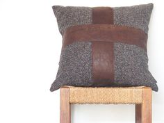 Brown Leather Pillow ... Luxe Leather Cross Cushion por onceworn