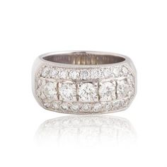Contemporary Hearts On Fire Diamond Band 1.55 Carats 18KT White Gold. 'Hearts on Fire' diamonds are the world's most perfectly cut diamonds and shine with a brilliance greater than any other cut.