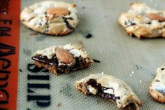 Flourless Almond Butter Cookies (6-ingredients)