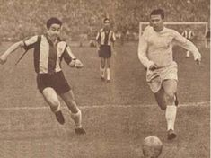 Colo Colo 0 Real Madrid 2 in Aug 1961 in Santiago. Ferenc Puskas steams forward in the friendly. Real Madrid, Football, Running, 1960s, Sports, Hungary, Conversation, Twitter, Top