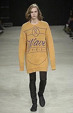"Raf Simons Fall 2004: ""Waves"" - Oversized sweaters"
