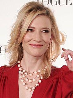 Cate Blanchett wears the gemstone statement necklace