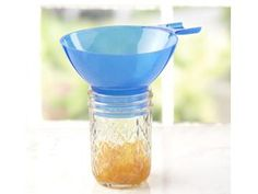 This Ball® wide-mouth funnel is heat resistant to help you safely and easily fill jars to the appropriate headspace. It is designed to fit regular-mouth and wide-mouth jars.