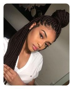 Box braids are a fun, pretty, and practical protective style. This guide will help you figure out how many packs of hair for box braids you'll need & much more. # african Braids frisuren Box Braids Guide: How Many Packs of Hair for Box Braids? Braided Hairstyles For Black Women, African Braids Hairstyles, Braid Hairstyles, School Hairstyles, Hairstyle Short, Fine Hairstyles, Stylish Hairstyles, Hairstyles Videos, Makeup Hairstyle