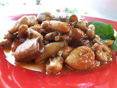Πεντανόστιμα κουκιά φρέσκα γιαχνί Pretzel Bites, Chicken Wings, Bread, Food, Brot, Essen, Baking, Meals, Breads
