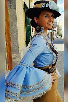 Amazona flamenca @anaayamaria @flamencasconarte Horse Adventure, Spanish Dancer, Flamenco Dancers, Spanish Fashion, Maria Jose, Gaucho, Andalucia, Marimekko, Manila