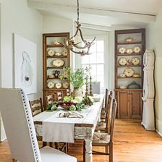 Layer Neutrals for a Relaxed Look in Your Dining Room