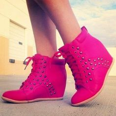 PINK SNEAKER WEDGES! .....okay, I need to stop looking at shoes. I'll be up all night!