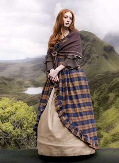 NEU! Neuer Stoff in kleinerem Karo und aus 100%Baumwolle! Ddas Überkleid ist genauso vom Schnitt her gearbeitet wie das Mac Lane Kleid. Schaut euc... Celtic Clothing, Renaissance Clothing, Medieval Fashion, Scottish Costume, Scottish Dress, Traditional Scottish Clothing, Traditional Dresses, Scottish Women, Scottish Fashion