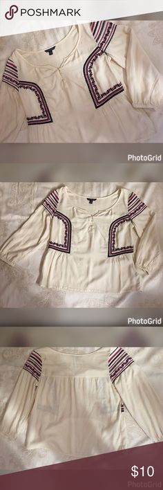 American Eagle 🦅 Embroidered Top Size Small American Eagle 🦅 Embroidered Top -3 Botton front Size Small American Eagle Outfitters Tops