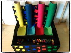motricité fine, jeu à fabriquer, tri des couleurs, rouleaux de papier toilette, tubes, enfants                                                                                                                                                                                 Plus