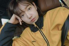 7 Tips Skincare a la Artis Korea, Dijamin Bikin Glowing! Park Shin Hye, Yoseob, Song Hye Kyo, Jay Park, Bae Suzy, Kdrama Actors, You're Beautiful, Adidas Jacket, Short Hair Styles
