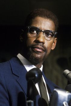 In Denzel Washington played the African-American activist Malcolm X in Spike Lee's epic biographical drama