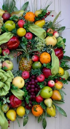 Gorgeous fruit wreath...very Williamsburg-ish.