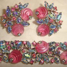 Crown Trifari Bracelet Earrings Pink Shoe by TheJewelryEmporium