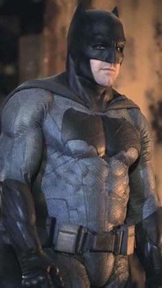 Ben Affleck as Batman, in Batman vs. Superman: Dawn of Justice Batman Vs Superman, Mundo Superman, Batman Art, Superman Images, Batman Arkham, Ben Affleck Batman, Ben Affleck Bruce Wayne, Batman The Dark Knight, Comic Book Characters