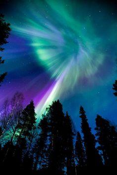 スウェーデンは、ボーデンのオーロラ  Paisajes Increíbles @_Paisajes_ Aurora boreal cerca de Boden, Suecia