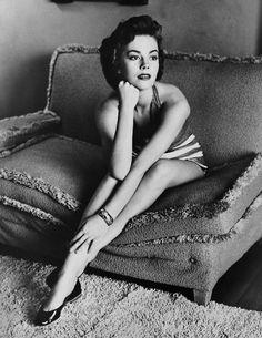 Woman on sofa  fuckyesoldhollywood:  Natalie Wood