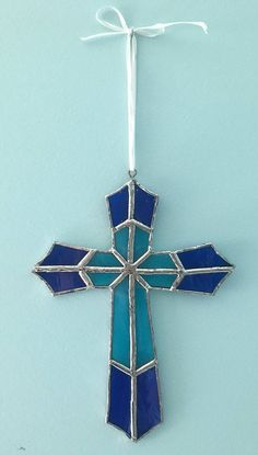 Stained glass cross, a beautiful gift for a baptism, birthday, wedding, or just … - Cool Glass Art Designs Stained Glass Mirror, Stained Glass Angel, Stained Glass Ornaments, Making Stained Glass, Stained Glass Birds, Stained Glass Christmas, Glass Wall Art, Stained Glass Projects, Stained Glass Windows