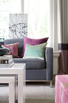 Love the neutral gray with pops of bright colour!