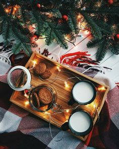 35 Ideas photography winter cozy christmas trees for 2019 Christmas Mood, Merry Little Christmas, Noel Christmas, Christmas Is Coming, All Things Christmas, Christmas Lights, Christmas Flatlay, Christmas Scenery, Magical Christmas