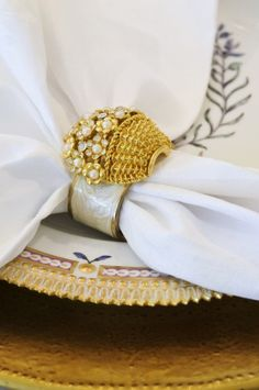 Love this napkin ring. Very pretty