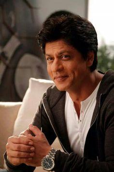The king khan , love you saruk Shahrukh Khan Family, Shahrukh Khan And Kajol, Shah Rukh Khan Movies, Aamir Khan, Bollywood Couples, Bollywood Actors, Bollywood Celebrities, Bollywood News, Male Models Poses