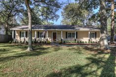 JUST LISTED NEAR THE WOODLANDS, TEXAS in the lovely neighborhood of Carriage Hills! 3BR/2BA - For more information, call The Kennedy Team at 832-779-1152.  To check out your home value or neighborhood activity anytime to to: http://Spring.TXsmarthomeprice.com