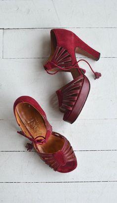 Garnache tassel platforms | vintage 1970s platforms | red leather 70s platform…