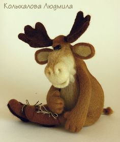 *NEEDLE FELT ART ~ SIMONA - cute!  moose in boots