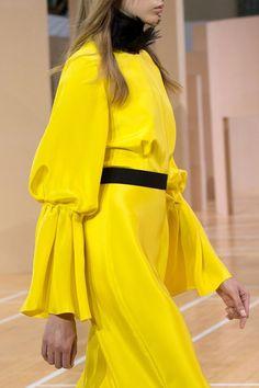 Fashion runway| Roksanda Summer-Spring 20156 LFW | http://www.theglampepper.com/2015/09/29/fashion-runway-roksanda-summer-spring-20156-lfw/