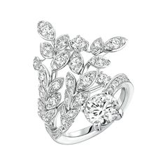 Premiers Brins #Ring from #LesBlesDeChanel - #Chanel - #FineJewelry collection in 18K white gold set with a 1.5 carat #BrilliantCut - #Diamond and 93 brilliant cut #Diamonds (1.4 ct) - July 2016