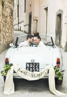 Chic Amalfi Wedding Inspiration | Sarah Love Photography | Bridal Musings Wedding Blog 29