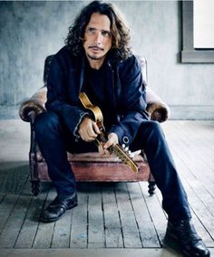"""Chris cornell His Last Song; My Time Of Dying contains the lyrics: """"In my time of dying, I want nobody to mourn / All I want for you to do is take my body home."""" It continues with the verse: """"Jesus, going to make up my dying bed / Meet me, Jesus, meet me / Meet me in the middle of the air. """"If my wings should fail me, Lord /Please meet me with another pair. LZ"""
