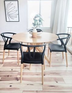 Black Dining Chairs, Dining Table Chairs, Black Kitchen Chairs, Modern Dining Room Chairs, Plastic Dining Chairs, Black Round Dining Table, Small Round Kitchen Table, Black And White Dining Room, Ikea Dining Room