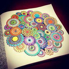 Colorido lindo da  @jo_rayane  . . . ✔ Use #jardimdascores nos marque ou envie direct com sua foto  . .  #amopintar #jardimsecreto #meulivrodecolorir #florestaencantada #Fabercastel #JardimSecretoTop #jardimdascores #jardimsecretoinspire #florestaencantadatop #florestaencantadainspire #livrosparacoloriradultos #livros_coloridos #Regrann