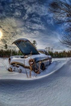 ♂ Aged with beauty - Abandoned truck in the snow field . places where has on the things people abandoned. Abandoned Cars, Abandoned Places, Abandoned Vehicles, Danny Zuko, Automobile, Rust In Peace, Rusty Cars, Old Trucks, Old Cars