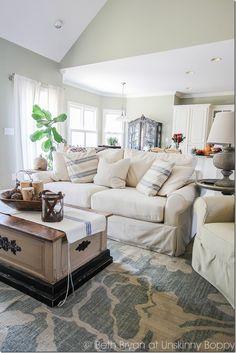 Pretty living room w