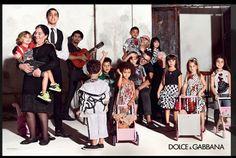 ♥ DOLCE & GABBANA propuestas AW15 con el protagonismo de las madres ♥ Semana de la Moda de Milán : ♥ La casita de Martina ♥ Blog de Moda Infantil, Moda Bebé, Moda Premamá & Fashion Moms by Carolina Simó #modainfantil #fashionkids #kids #childrensfashion #kidsfashion #niños #streetstyle #streetstylekids #DG #madeinitaly  #tendenciasniños  #tendenciasmodaniños #lacasitademartina
