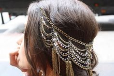 necklace as a hair piece? maybe <3