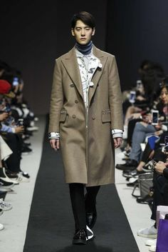 Customellow Fall-Winter 2017/18 - Seoul Fashion Week