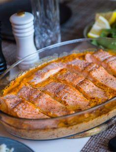 Ugnsbakad lax i krämig sås - ZEINAS KITCHEN Fish And Chips, Pork, Tasty, Lunch, Meat, Kitchen, Meals, Kale Stir Fry, Cooking