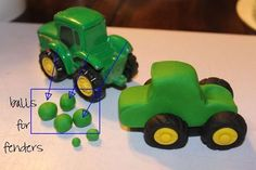 трактор из мастики