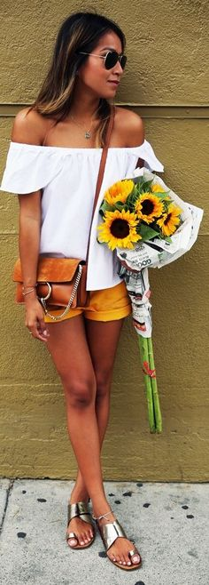 this is such a cute outfit! And the flowers are an added bonus:)