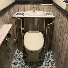 床や壁をカリフォルニア風のトイレにアレンジしています。